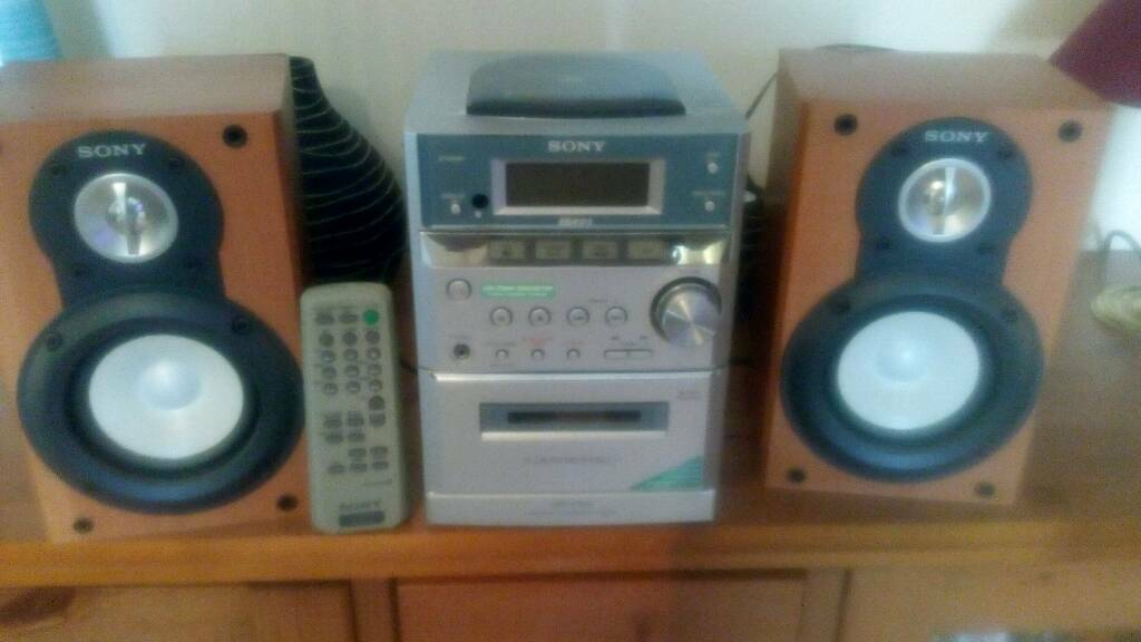 Sony Mini Hi Fi With Speakers And Remote Control Everything Works But Cd Needs Attention