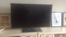 """Samsung SMART 42"""" inch LED television with control - Excellent Condition"""