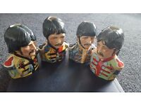 BAIRSTOW MANOR COLLECTABLES THE BEATLES SGT PEPPERS SET TOBY JUGS ROCK & ROLL