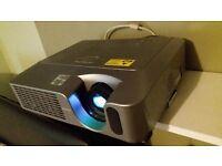 Hitatchi ldx12 projector