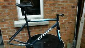 Cross Sportive road bike frame and Shimano groupset
