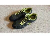 Clarks StrikeTime Junior Football Boots size 2.5