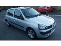 1.2renault clio 5 door 2004 petrol manual 103000 mile history mot 7/3/18 hpi clear cheap insurance