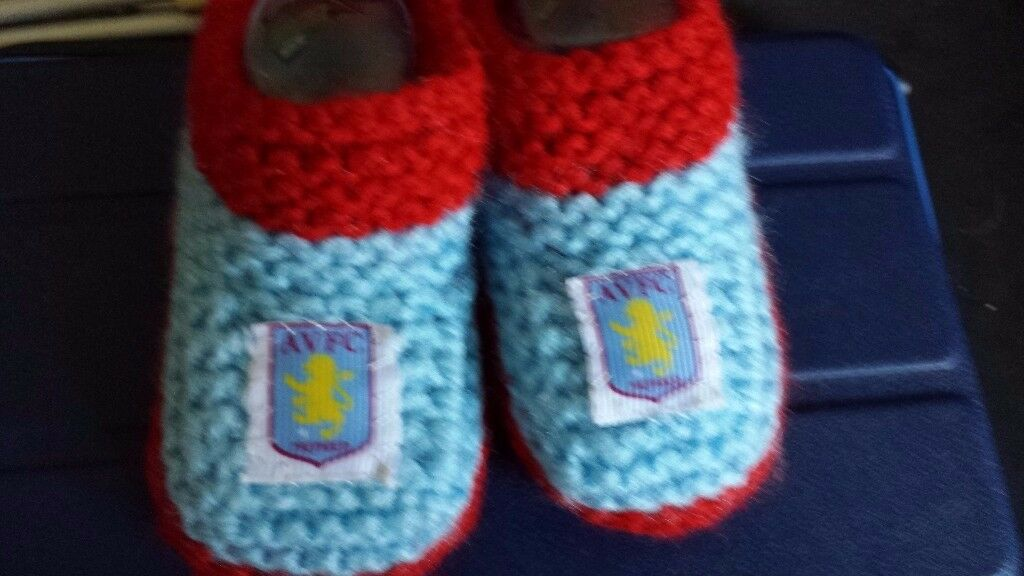Hand knitted Aston Villa baby booties shoes 0-3 months NEW