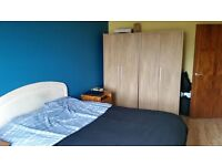 1 bedroom apartment available 29/4/17, great location,Fully Furnished, OFCH