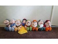 💙 snow white & 7 dwarfs £50