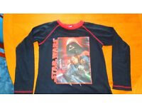 Kids Star wars top in good condition