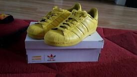 ADIDAS Pharrell Williams Supercolour Superstars-Yellow-Size 9