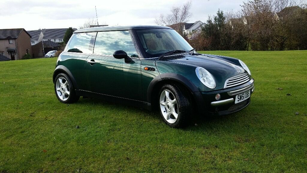 2002 Mini Cooper In British Racing Green