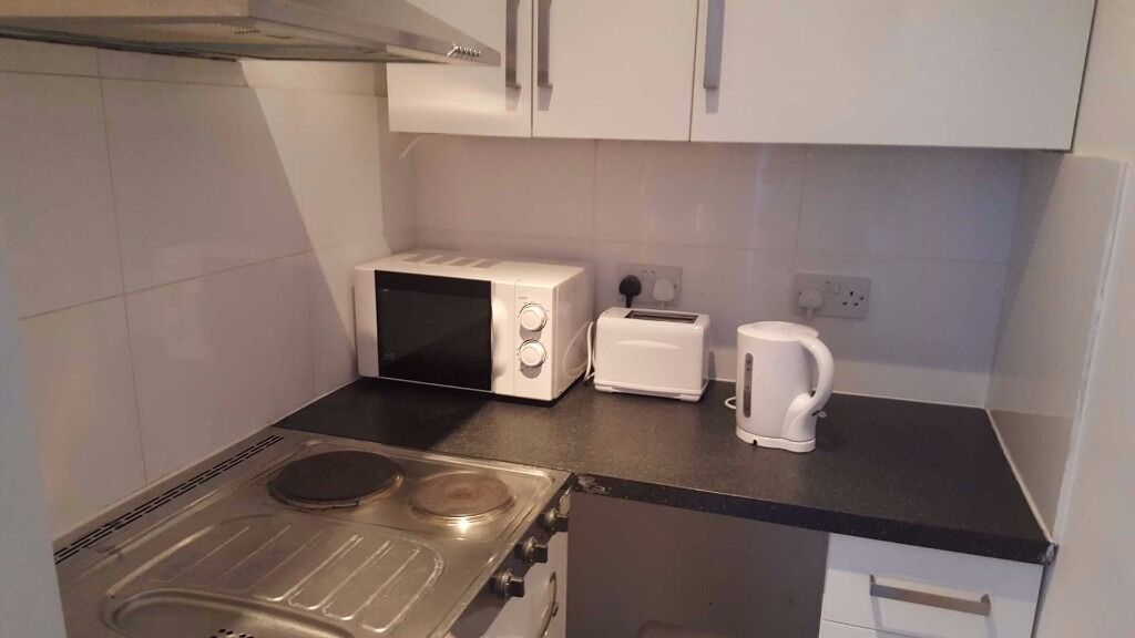 Lovely modern fully furnished Studio flat in Stratford, E15