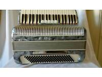 BELLINI ITALY PIANO ACCORDION 120 BASE 4 VOICE EXCELLENT