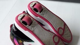 ***GIRLS HEELYS TRAINERS (UK GIRLS SIZE 3)***IDEAL CHRISTMAS GIFT***