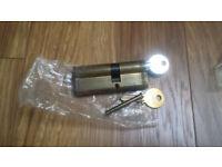 Upvc door lock barrel with 2 keys