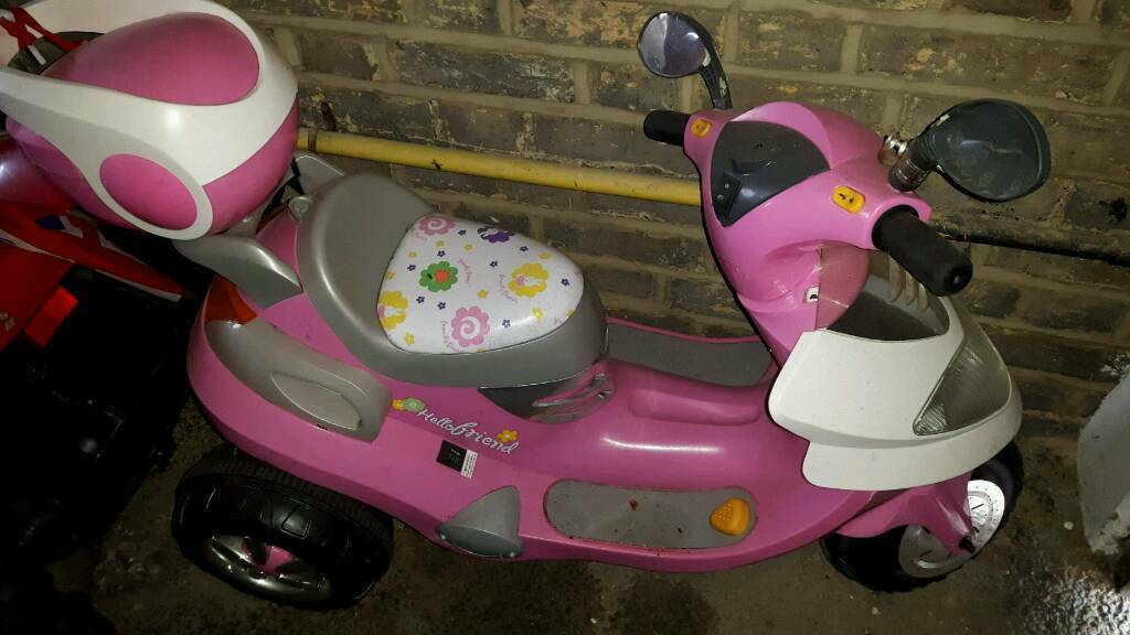 Pink scooter good condition with battery and charger