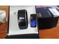B NEW SAMSUNG GEAR FIT 2. GPS SPORTS BAND