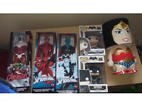Marvel, avengers n DC collectable and lamp