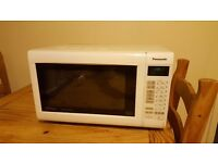 Panasonic Slimline Combi Microwave Oven with Grill and Convection NN-CT552W