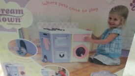 Dream Town Collection Child's play kitchen new in box