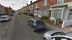 dss or working accepted Poplar Road Bearwood Birmingham B66 4AN Large 3 bedroom house 2 large recep
