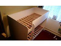 Children wood bunk bed