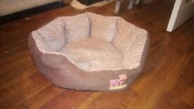 Small dog or cat bed