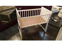 Rocking crib excellent condition