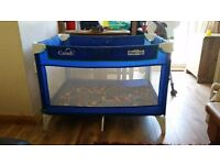 BABIES TODDLERS PLAY'N GO BLUE TRAVEL COT PLAY PEN WITH MAT AND CARRY HANDLE GOOD CONDITION