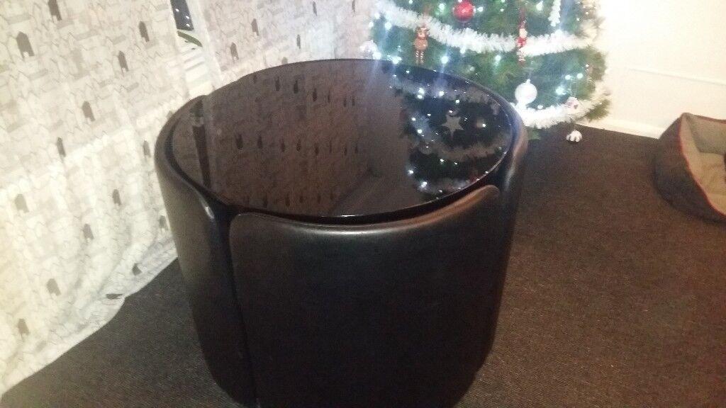 Black gloss space saver table