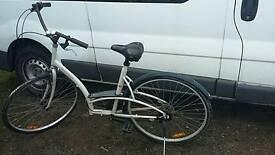 """ladies bike 28"""" wheel"""