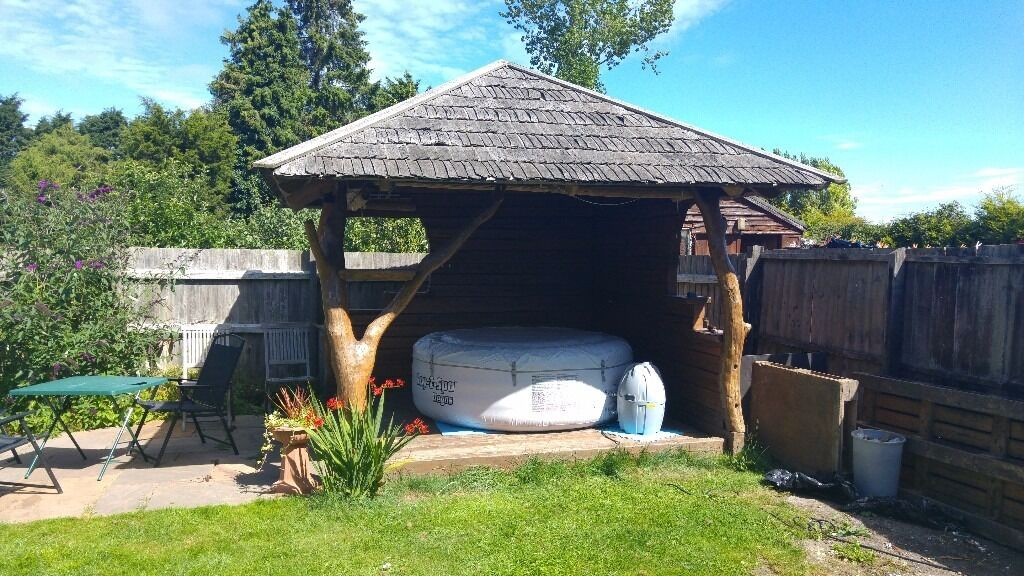 Solid Oak Tree Trunk Hot Tub Shelter Garden Room