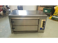 Pizza Oven. Diamond Baby 3TA twin deck. Excellent condition and works well. It needs to be wired in.