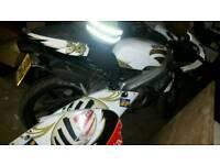 2004 Aprilia RS125 MOTOR CYCLE BIKE MANUEL POGGIALLI with FRONT FORK UNIT