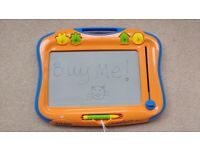 Large etch a sketch, excellent condition, all parts included