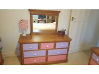LARGE HEAVY SOLID OAK CHEST OF DRAWS ,DRESSING TABLE IN EXCELLENT USED CONDITION FREE LOCAL DELIVERY