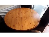 Pinetum Drum Top Solid Pine Table