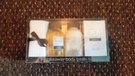 MAKE AN OFFER | Baylis & Harding Co Takeaway Body Treats | White Tea, Lemongrass & Grapefruit | Lux