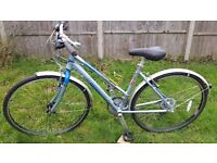 """PINNACLE HYBRID BIKE..18"""" FRAME..700c WHEELS..MUDGUARDS..EXCELLENT CONDITIONS BIKE…READY TO RIDE"""
