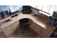 Corner Office Unit in Beech