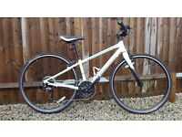 Cannondale Quick 4 Womens 2015 Hybrid Bike. Virtually Brand New.