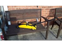 HALFORDS TWO TONNE TROLLEY JACK COMPACT IDEAL FOR KEEPING IN YOUR CAR LIFTING RANGE 14-34 CM.