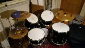 Pearl Export 5 piece, Zildjian cymbals, hardware and cases