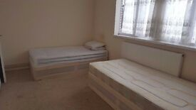 DOUBLE/TWIN ROOM IN MILE END