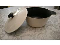 Cast iron pot, off White