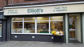 Business / Lease for sale , rent £42.00 a week , zero rates small business relief. Leasehold.