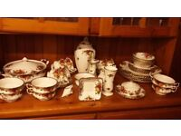 Old Country Roses - Huge Collection . Tureen / Soup