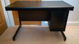 Compact Pedestal Desk or computer table with 4 drawers. In good condition