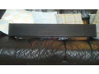 yamaha sound bar, no remote control with it. 60 pound.
