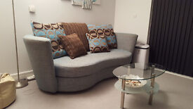 3-seater quality sofa in excellent condition