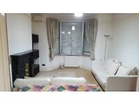 *** Large Spacious Victorian 3 Bedroom House Immaculately Presented ***