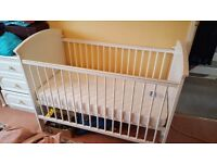 Baby cot bed white 50£